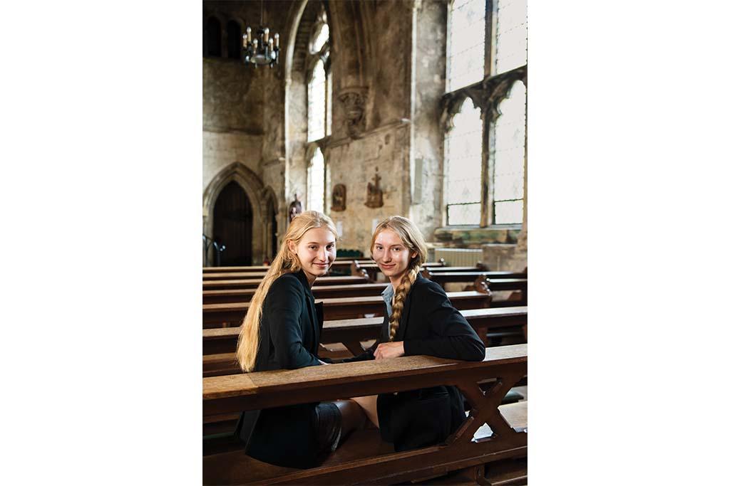 Top scholars: Valeria and Victoria