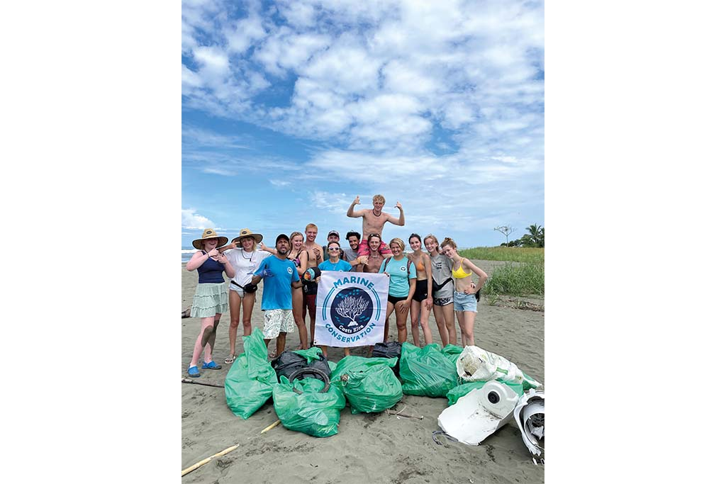 gap year advice: Beach clear up as part of the scuba program in Costa Rica